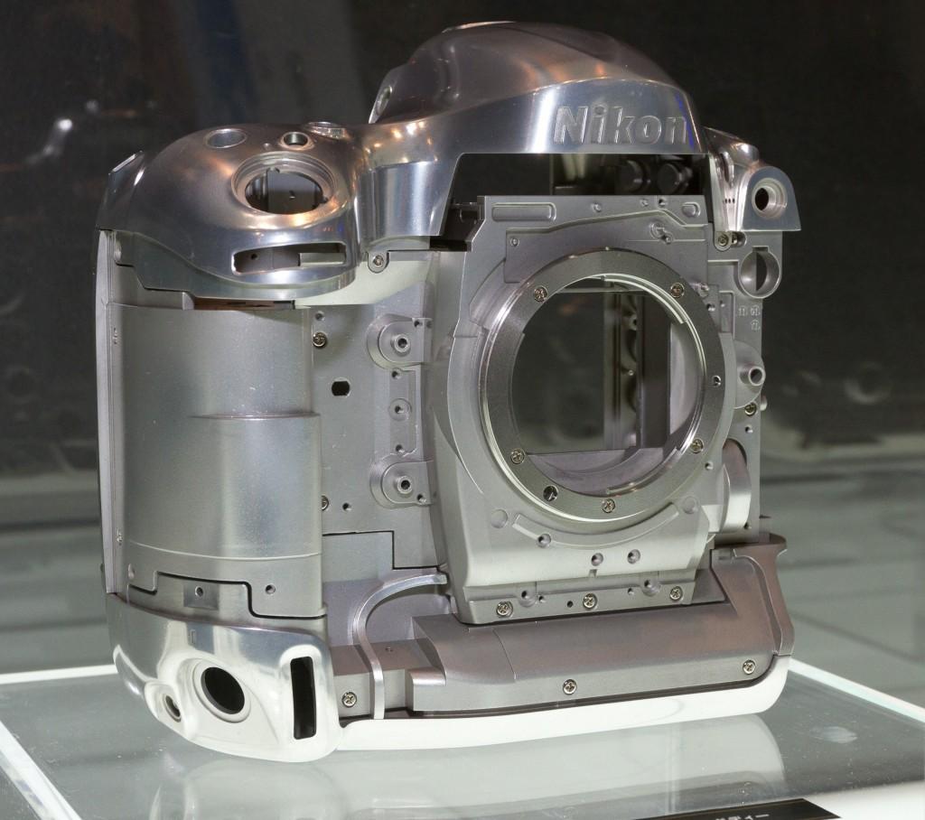 2012_Nikon_D4_magnesium-alloy_frame_2012_CP+[1]